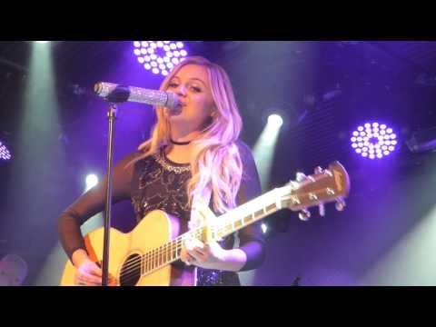 Kelsea Ballerini - High School (HD) - Under The Bridge - 11.05.17