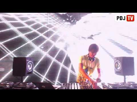 Cosmonaut   live @ PDJTV 6 05 2013
