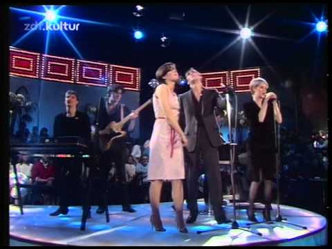 Human League - Don't you want me (live 1982)