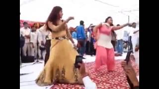 sapna-chaudhary-jan-2017-stage-show-new-meri-gal-me-ek-patola-tu