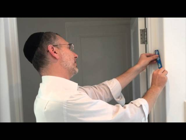 & How to Hang a Mezuzah: 10 Steps (with Pictures) - wikiHow