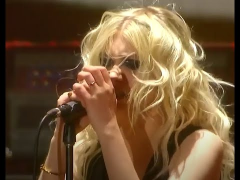 """The Pretty Reckless release new song """"And So It Went"""" guitarist Tom Morello guests!"""
