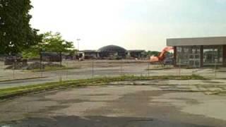 Demolition of Southwyck Mall (5/27/09)