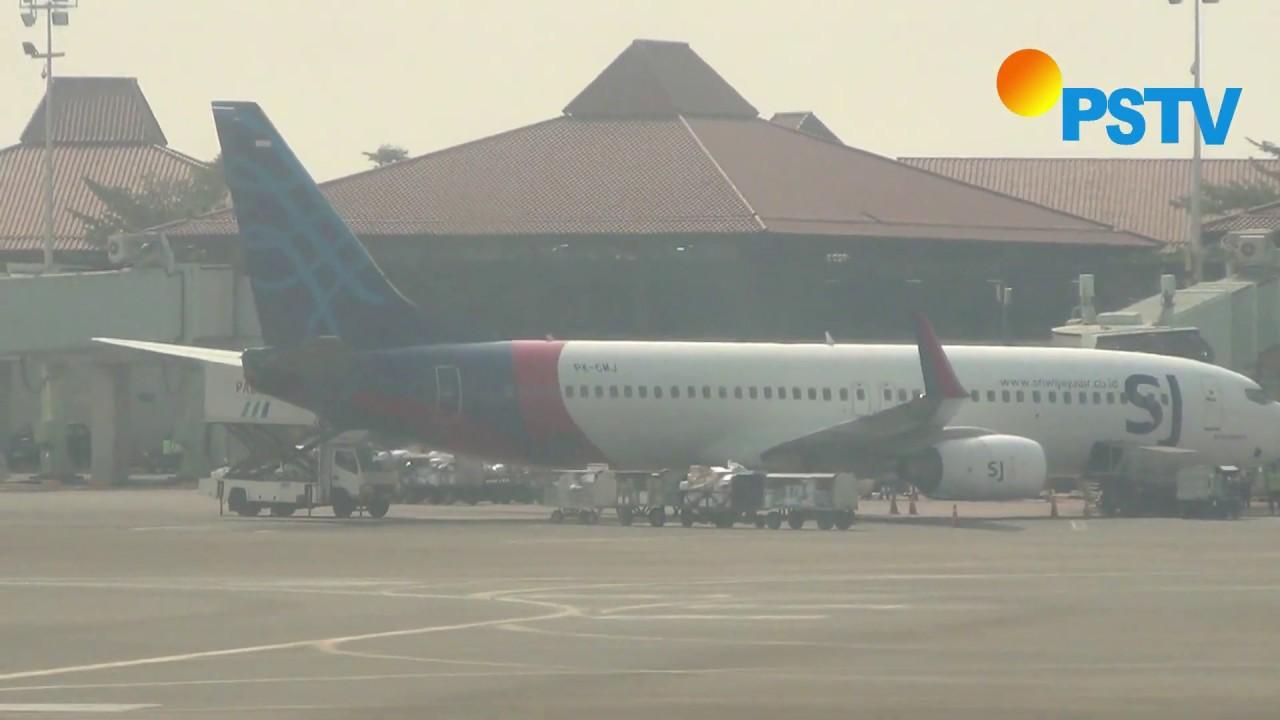 Sriwijaya Air Padang Jakarta - YouTube