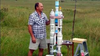 2-Stage Water Rocket flies to 810