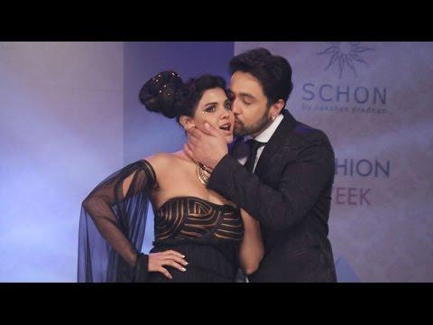 Adhyayan Suman Proposes To Sara Loren With A Kiss