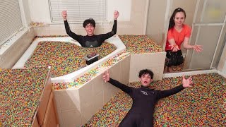 5 MILLION ORBEEZ IN BATHTUB!