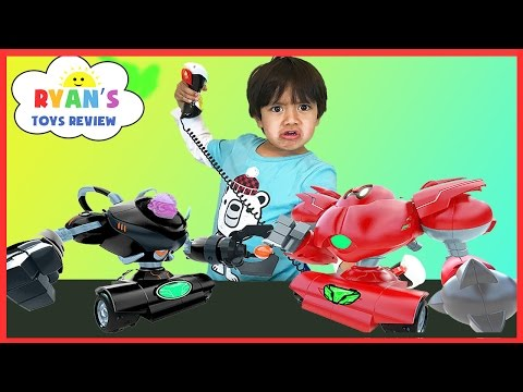 BIG ROBOTS FIGHTING toys for kids! Remote Control Battle Family Fun Playtime Ryan ToysReview