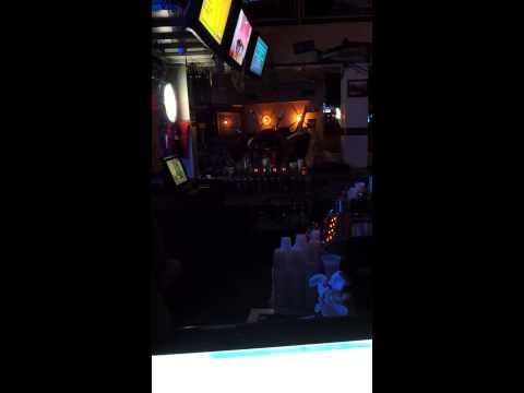 Karaoke In Scottsdale Arizona At Barneys Boathouse