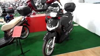 Магазин по продаже скутеров Пежо и велосипедов в Берлине