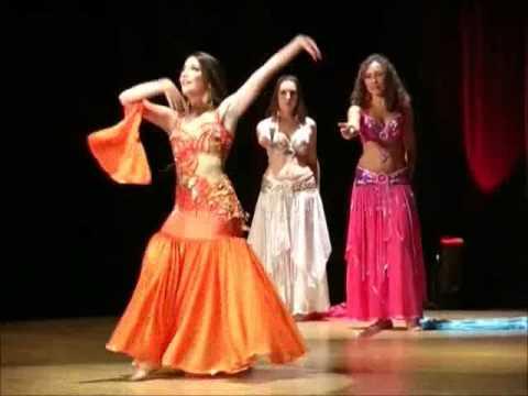Danse orientale voile - Neïla et ses élèves