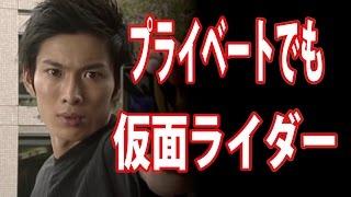 お手柄でしたね。なんでまた京都にいるの? 仮面ライダー龍騎ばりのキッ...
