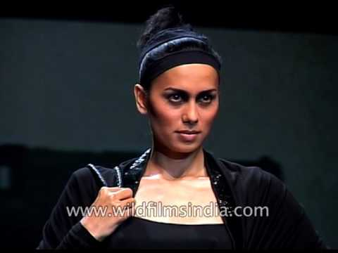 Indian models in latest collection of Tarun Tahiliani