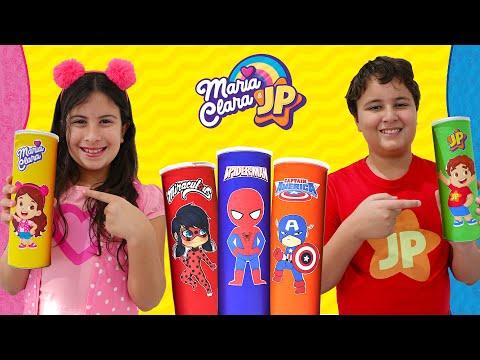 Maria Clara e JP comem frutas e verduras e viram super - heróis - Pretend play as with magic chips