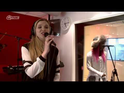 Clean Bandit - 'Rather Be' // live bij Q-music