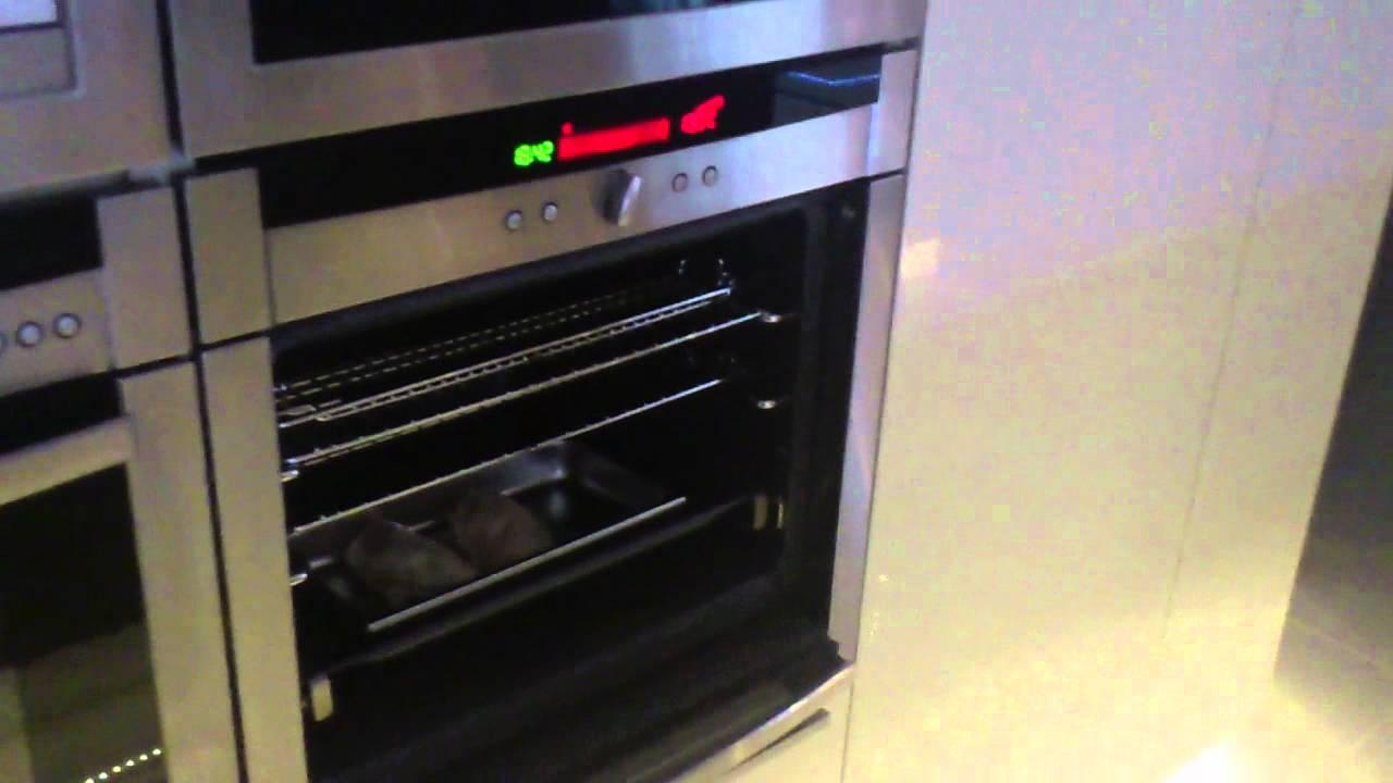 Amazing Neff Slideaway Oven - YouTube