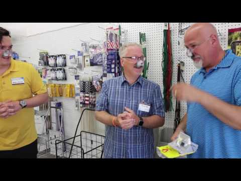 """The """"Cool Cats"""" Visit Bob's Hardware   2017 Family Freedom Walk"""