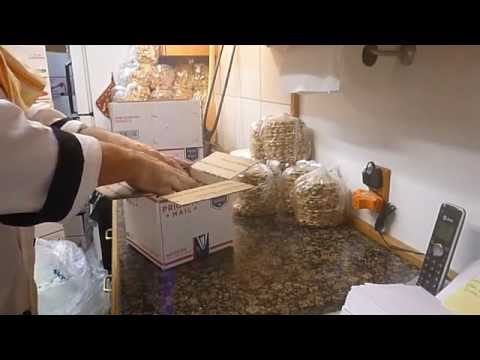 Packing and Shipping Authentic Italian Pizzelle
