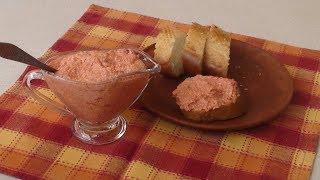 Урнебес - вкуснейшая закуска. Салат, соус и намазка на хлеб в одном блюде.