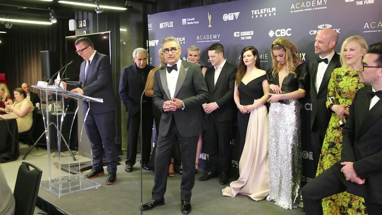 Chat w cast of Schitt's Creek on winning at the 2019 Canadian Screen Awards