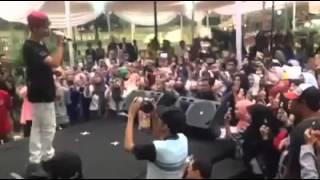 Video Harris J - Salam live in Jakarta Islamic Fair download MP3, 3GP, MP4, WEBM, AVI, FLV Agustus 2017