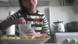 Как сделать картошку фри в микроволновке?