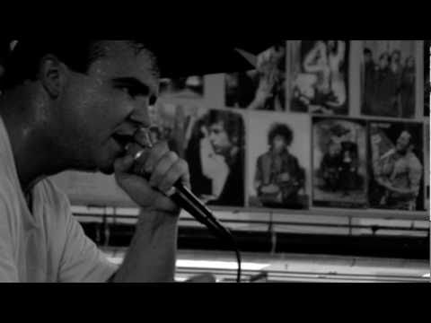 Future Islands - In The Fall (Live at Amoeba)