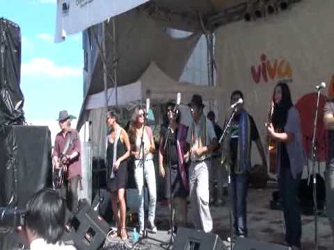 Viva Victoria - Sol Nation Band with Laloran East Timorese Choir 04