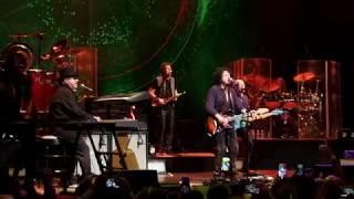 Toto Africa - Wiltern Theatre - 2019 - David Paich 39 s return to the stage.mp3