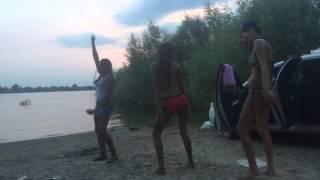 Негри попа жопа супер танец секси попки