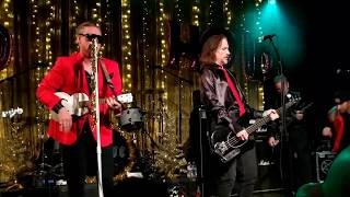 """Me First and the Gimme Gimmes """"Santa Baby"""" opening the Christmas show at Slim's SF 12/7/18 live"""