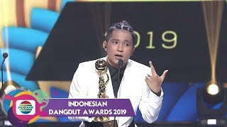 Gambar cover KERENNN!! Jirayut Mendapat Penghargaan Penyanyi Dangdut Pendatang Baru Terpopuler   IDA 2019