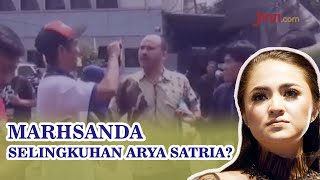 Arya Satria Bantah Tinggal Serumah dengan Marshanda - JPNN.com
