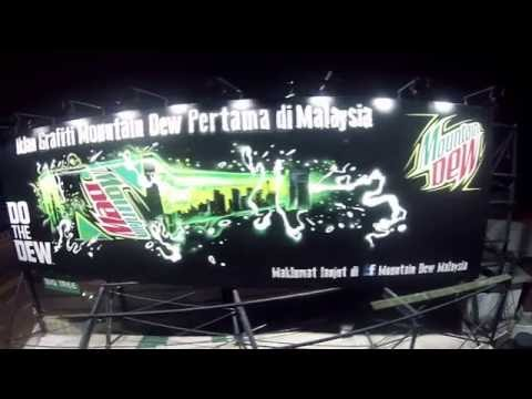 Malaysia's First Ever Mountain Dew Graffiti Billboard Now Exists!