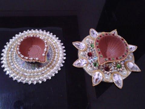 D I Y Diwali Decoration Ideas To Make Diyas Using Cd Youtube