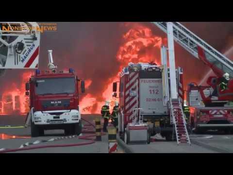 30.05.2018: Flammeninferno in Rostock! 1000 Kubikmeter Plastik-Müll in Brand