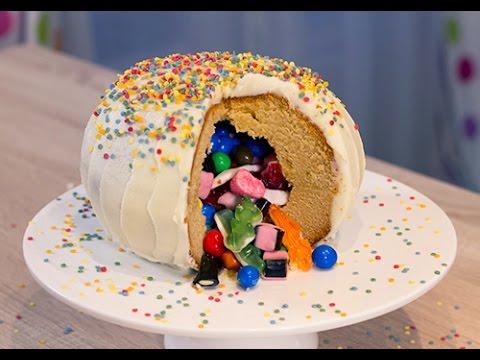 Le Pinata Cake Ou Gâteau Surprise Youtube