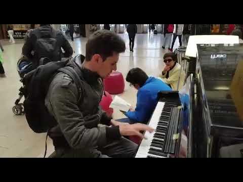 Amazing Rock and Roll Piano Improvisation at Paris Train Station Gare de l'Est by Thomas Krüger