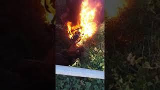 Accident d'un camió carregat de gasoil a Guardiola de Font-rubí thumbnail