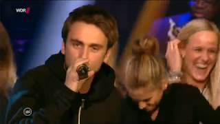 Jan Delay feat. Clueso - Sie Kann Nicht Tanzen (LIVE) (Offizielles Video)