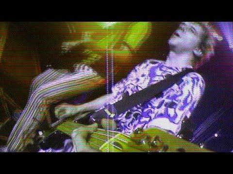 "Die Toten Hosen // ""Alles aus Liebe - Live"" [Offizielles Musikvideo]"