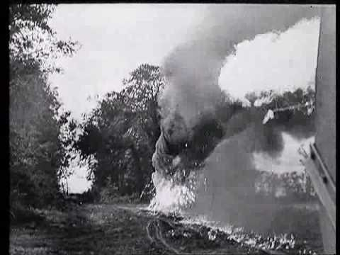 WW 2 Flamethrower Tank - The Churchill Crocodile