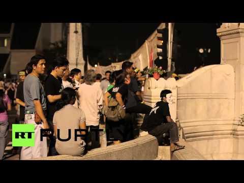Thailand: Thousands protest 'Thaksin Shinawatra amnesty bill'