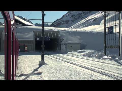MGB Oberalppass + 2 Meter Schnee