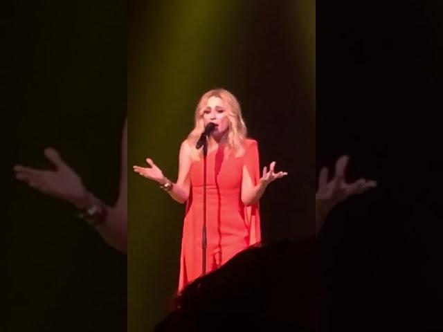 Marta Sánchez canta el himno de España y se hace viral