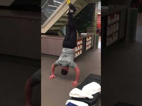Anthony Caruso Hand Stand Push Ups