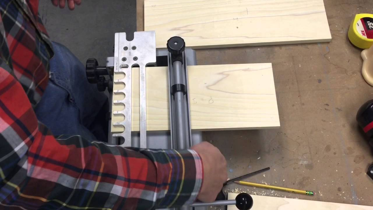 Cutting Half Blind Dovetails With Porter Cable Jig
