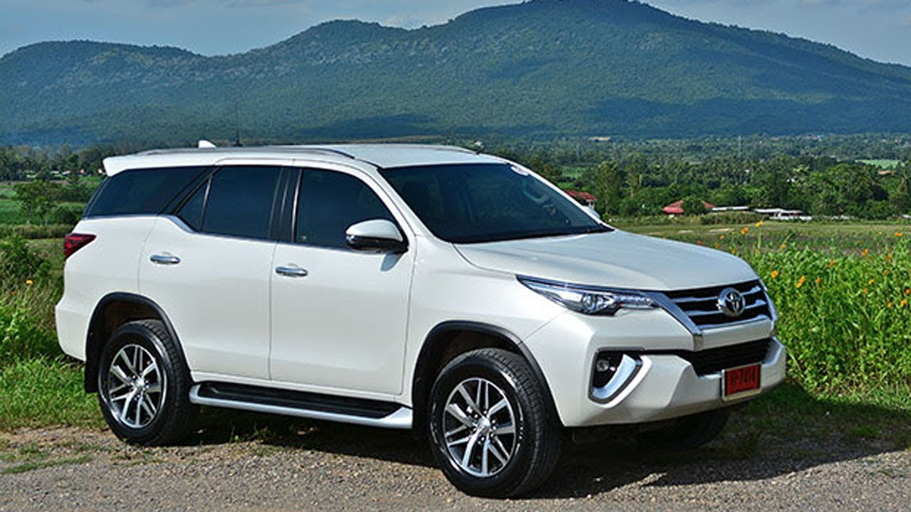 Toyota Fortuner 2.4 V 4WD (2017) Review