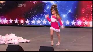 Best Four Years Old Salsa Dancer [Best salsa by a kid]