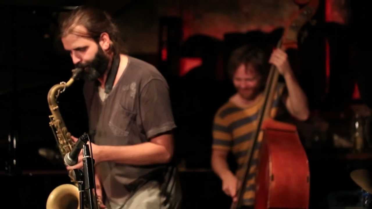 Albert Cirera & Tres Tambors al Jamboree - YouTube